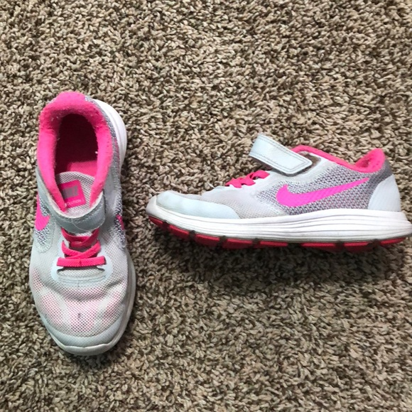 wholesale dealer b8bad a09cc Nike revolution girl size 11.5